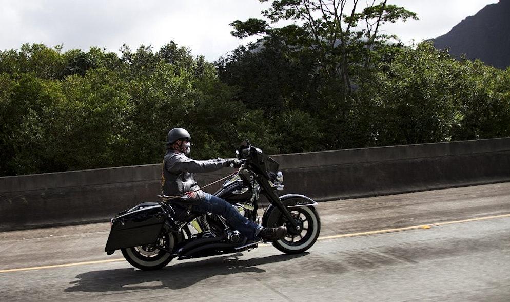 Hawaii tries an alternative to lane splitting - RevZilla