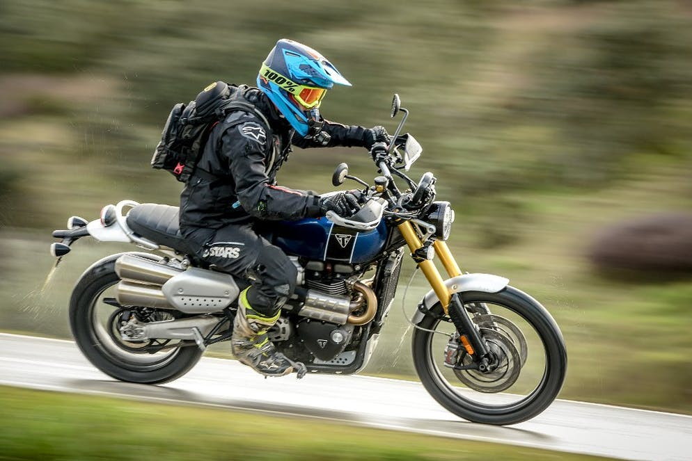triumph scrambler 1200 xe xc in the flattrack circuit portugal. Black Bedroom Furniture Sets. Home Design Ideas